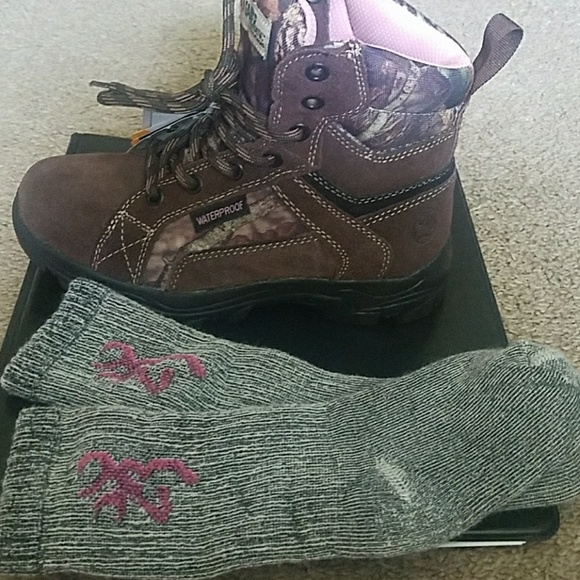 Gander Mountain Other - NWT Girls' (sz 2) Thinsulate/Waterpeoof Boots